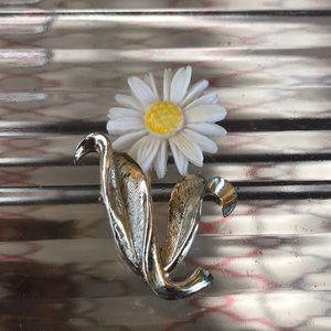 Vintage Sarah Coventry Flower Brooch Daisy